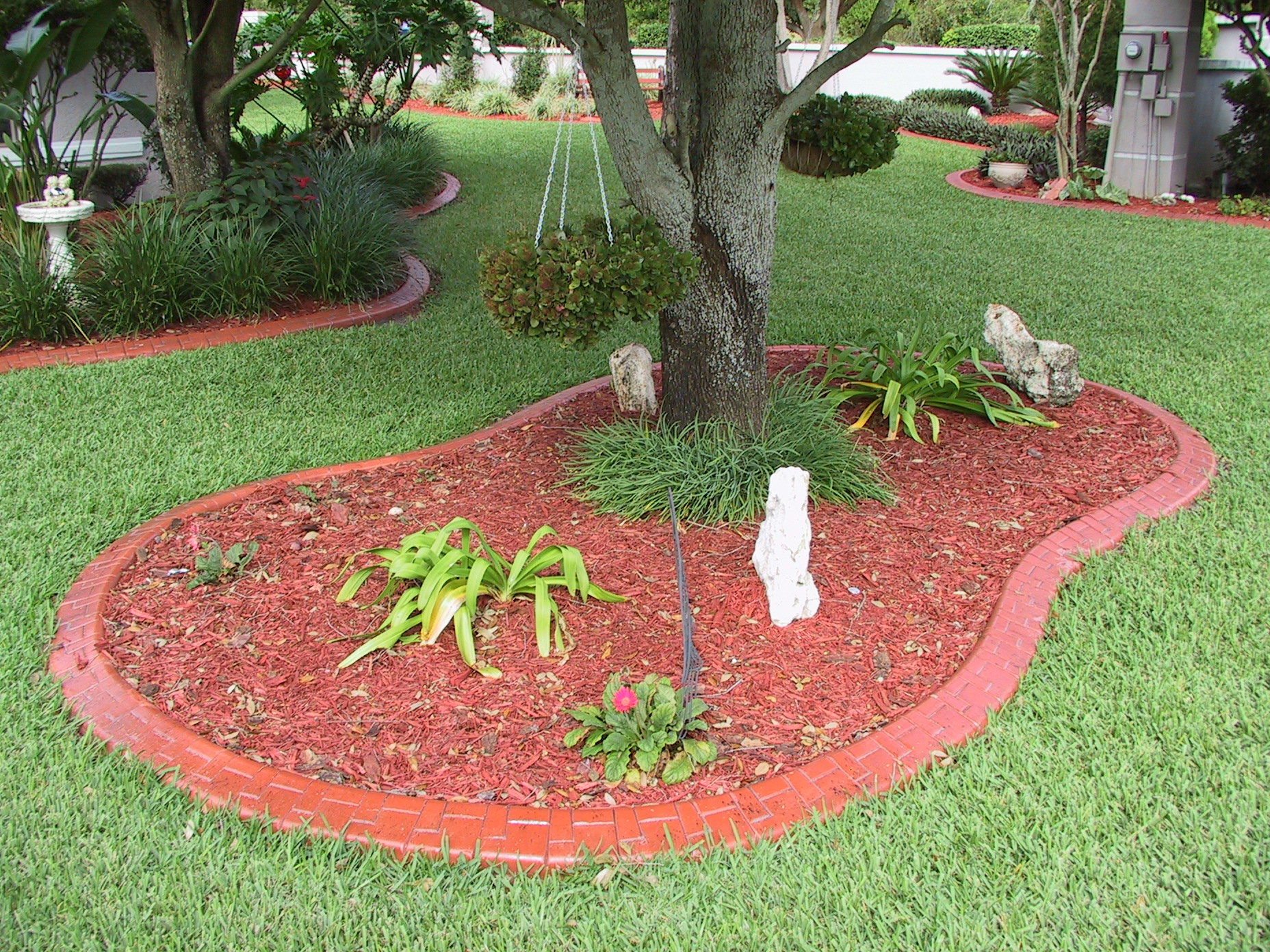 17 best 1000 ideas about lawn edging on pinterest for Garden trim